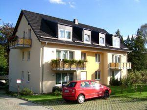 Mehrfamilienhaus_in_Erdmannsdorf